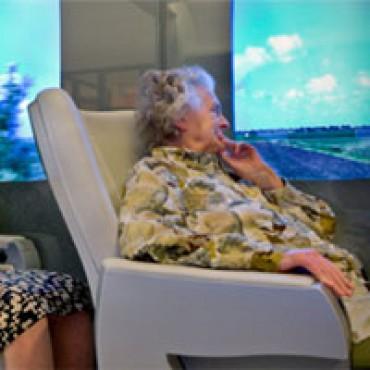 Buitenland kijkt naar Nederland voor virtual reality in woonzorgcentra