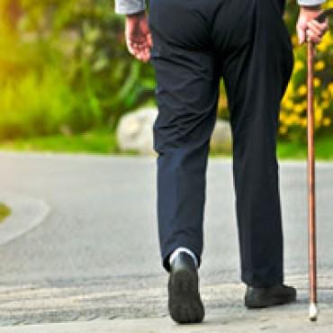 Dagelijks wandelen en twee keer per week beenkrachtoefeningen doet wonderen!