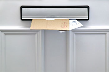 brievenbus met post