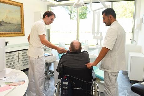 KNMT open dag voor ouderen bij tandartsen