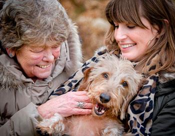 OOPOEH Oma's en Opa's passen op een hond